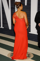 """Queen Latifah """"2015 Vanity Fair Oscar Party hosted by Graydon Carter at Wallis Annenberg Center for the Performing Arts in Beverly Hills"""" (22.02.2015) 23x Boty8VZW"""