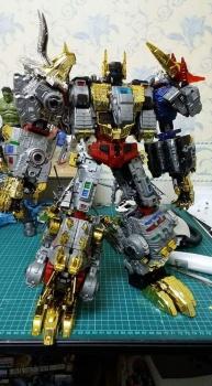 [Toyworld][Zeta Toys] Produit Tiers - Jouet TW-D aka Combiner Dinobots - Page 3 CYIw08YR