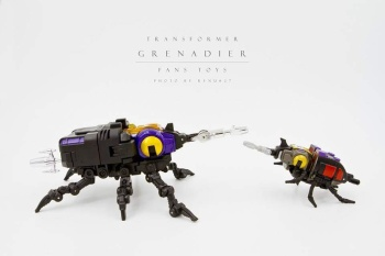 [Fanstoys] Produit Tiers - Jouet FT-12 Grenadier / FT-13 Mercenary / FT-14 Forager - aka Insecticons - Page 2 DebQwos6
