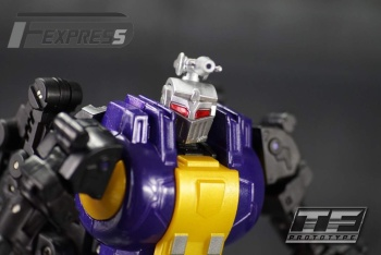 [Fanstoys] Produit Tiers - Jouet FT-12 Grenadier / FT-13 Mercenary / FT-14 Forager - aka Insecticons - Page 2 GALKIkqY