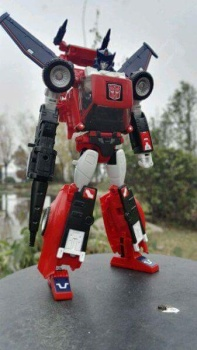 [Masterpiece] MP-25L LoudPedal (Noir) + MP-26 Road Rage (Rouge) ― aka Tracks/Le Sillage Diaclone - Page 2 KfZWngGs