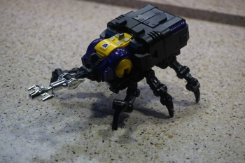 [Fanstoys] Produit Tiers - Jouet FT-12 Grenadier / FT-13 Mercenary / FT-14 Forager - aka Insecticons - Page 2 KoJ1UChQ