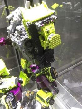 [Generation Toy] Produit Tiers - Jouet GT-01 Gravity Builder - aka Devastator/Dévastateur - Page 2 LOPOCpoX