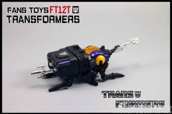 [Fanstoys] Produit Tiers - Jouet FT-12 Grenadier / FT-13 Mercenary / FT-14 Forager - aka Insecticons - Page 2 MfDw7Zw5