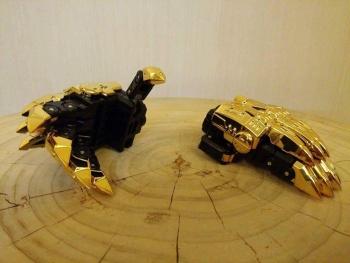 [Toyworld][Zeta Toys] Produit Tiers - Jouet TW-D aka Combiner Dinobots OTFhAxkL