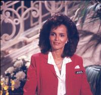 Отель / Hotel (сериал 1983-1988) PxYe6YEb