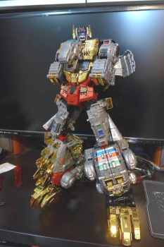 [Toyworld][Zeta Toys] Produit Tiers - Jouet TW-D aka Combiner Dinobots QDlCnKqd