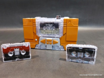 [Masterpiece Hasbro] YEAR OF THE GOAT SOUNDWAVE - Sortie Mars 2014 QZL6Seky