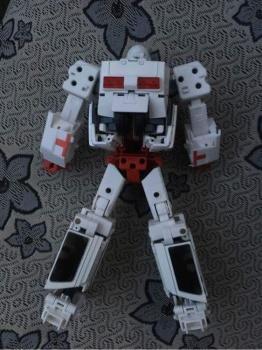 [Voodoo Robots] Produit Tiers - Salus (aka Ratchet/Mécano) & Animus (aka Ironhide/Rhino) - Page 3 S4EeTqP5