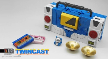 [KFC Toys] Produit Tiers - Jouet Transistor (aka Blaster/Tempo) + DoubleDeck (Twincast) + Fader (aka Eject/Éjecteur) + Rover (aka Autoscout) SeTBx1Ox