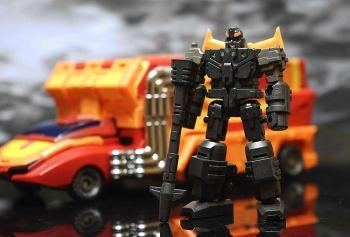 [DX9 Toys] Produit Tiers - Jouet D-06 Carry aka Rodimus et D-06T Terror aka Black Rodimus - Page 2 V27BRs8D