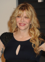 """Courtney Love """"2015 Vanity Fair Oscar Party hosted by Graydon Carter at Wallis Annenberg Center for the Performing Arts in Beverly Hills"""" (22.02.2015) 49x W8LirIJN"""