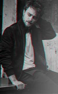 Daniel Radcliffe - 200*320 Tumblr_o7ah3sGUby1r1hz6jo4_250