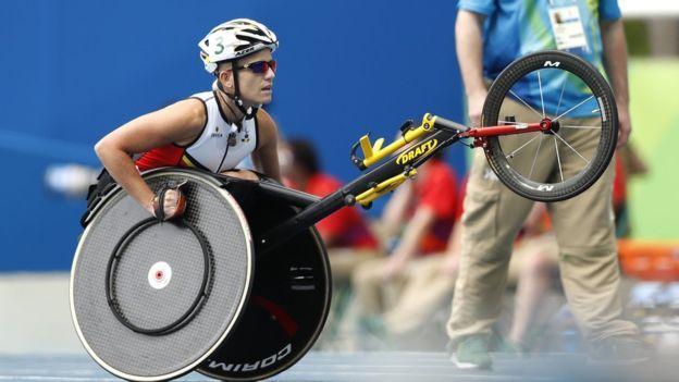 Los efectos de la enfermedad degenerativa que sufre Marieke Vervoort, la atleta paralímpica que firmó la eutanasia Tumblr_odjzbgPHIX1ttvyeto1_1280