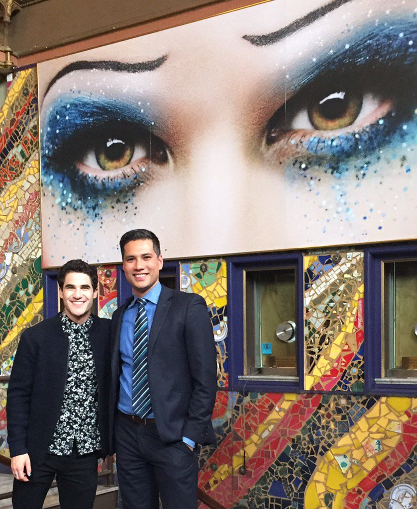 "publicarts - Pics, gifs, media videos, curtain call videos, stage door videos, and posts of ""who saw Darren"" in Hedwig and the Angry Inch--SF and L.A. (Tour),  - Page 3 Tumblr_oey8t4KC6W1uetdyxo1_1280"