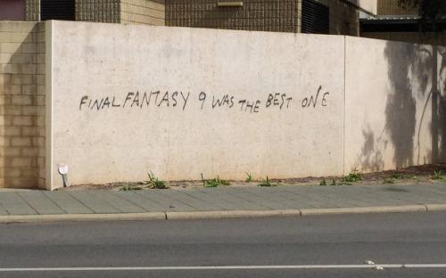Pintadas, grafittis y otras mierdas del arte hurvano ese. - Página 3 Tumblr_o6e81pWG4q1s2wenvo1_500