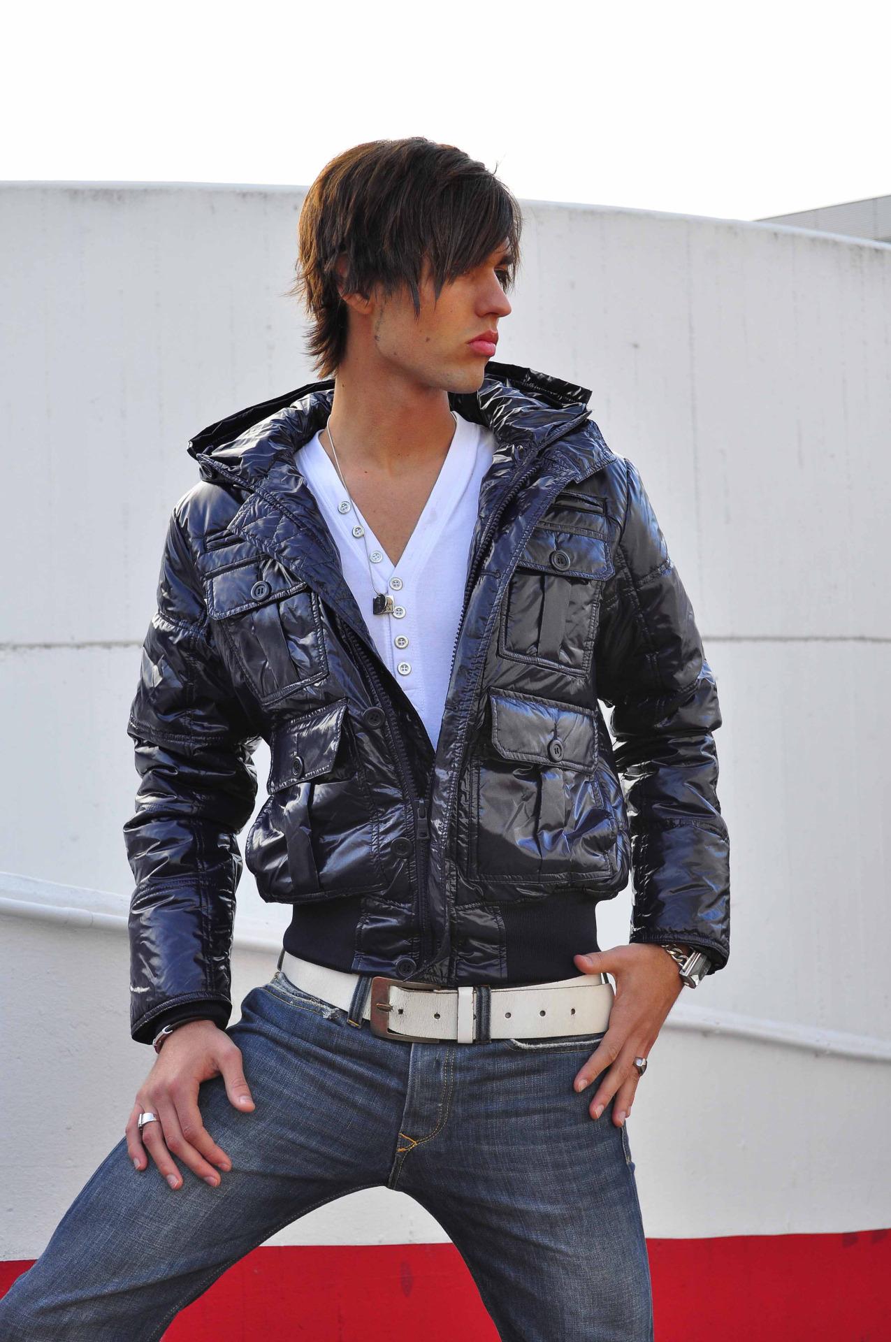 Muška moda u Srbiji i svetu - Page 4 Tumblr_obgm92Or8T1sh2ivno1_1280