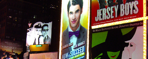 hedwig - Pics and gifs of Darren in Hedwig and the Angry Inch on Broadway. Tumblr_nrr1meB61U1qan42po4_500