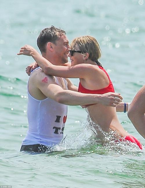 Taylor Swift - Página 5 Tumblr_o9rqyfG7Rm1qj4rgqo1_500