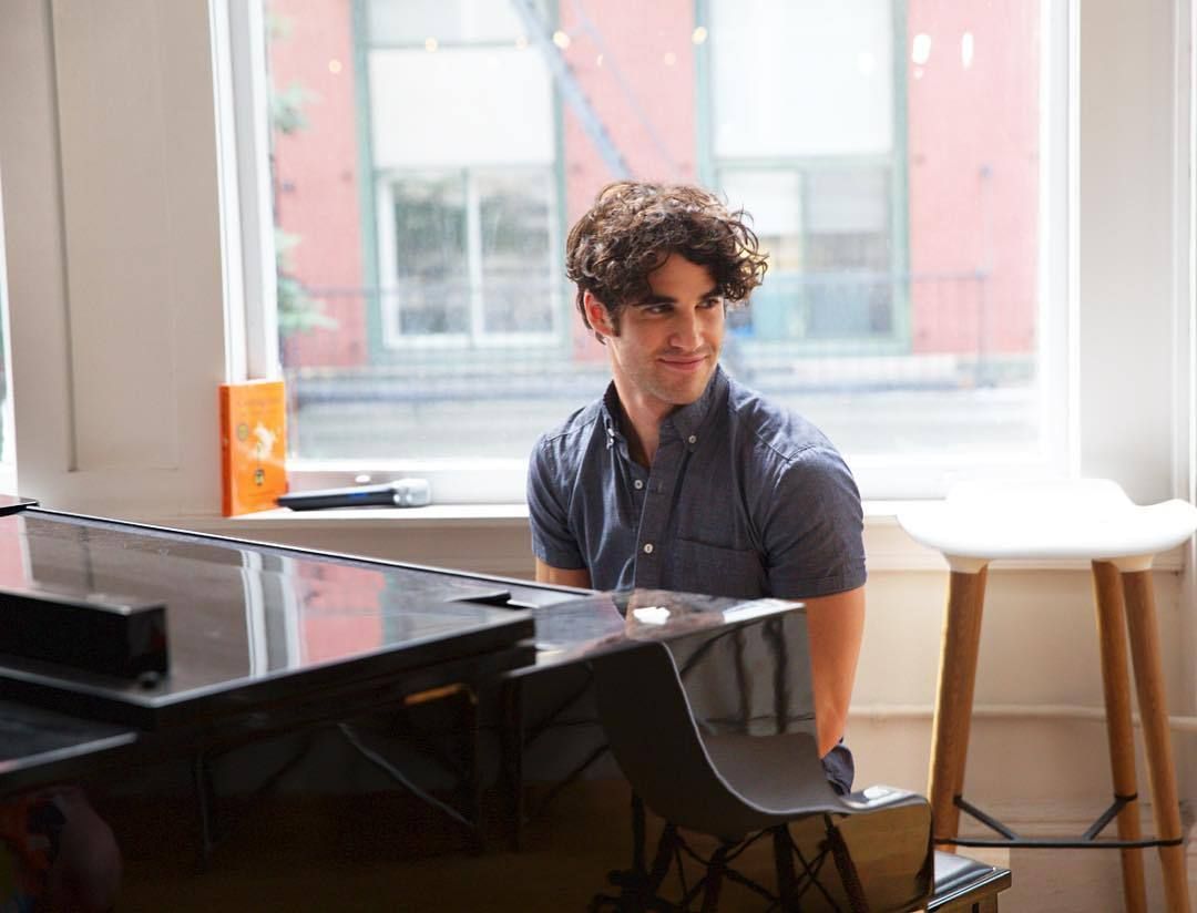 Topics tagged under piano on Darren Criss Fan Community Tumblr_ocu692wAQy1uetdyxo2_1280