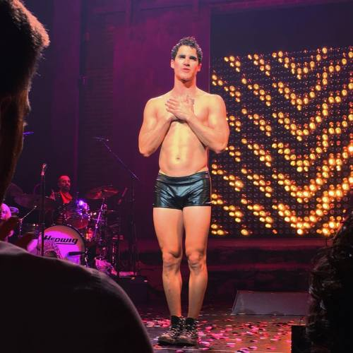 loveeachother - Fan Reviews, Media Reviews, and comments from members of the Media, about Darren in Hedwig and the Angry Inch--SF and L.A. Tour  - Page 3 Tumblr_ofn55xbedp1uetdyxo1_500