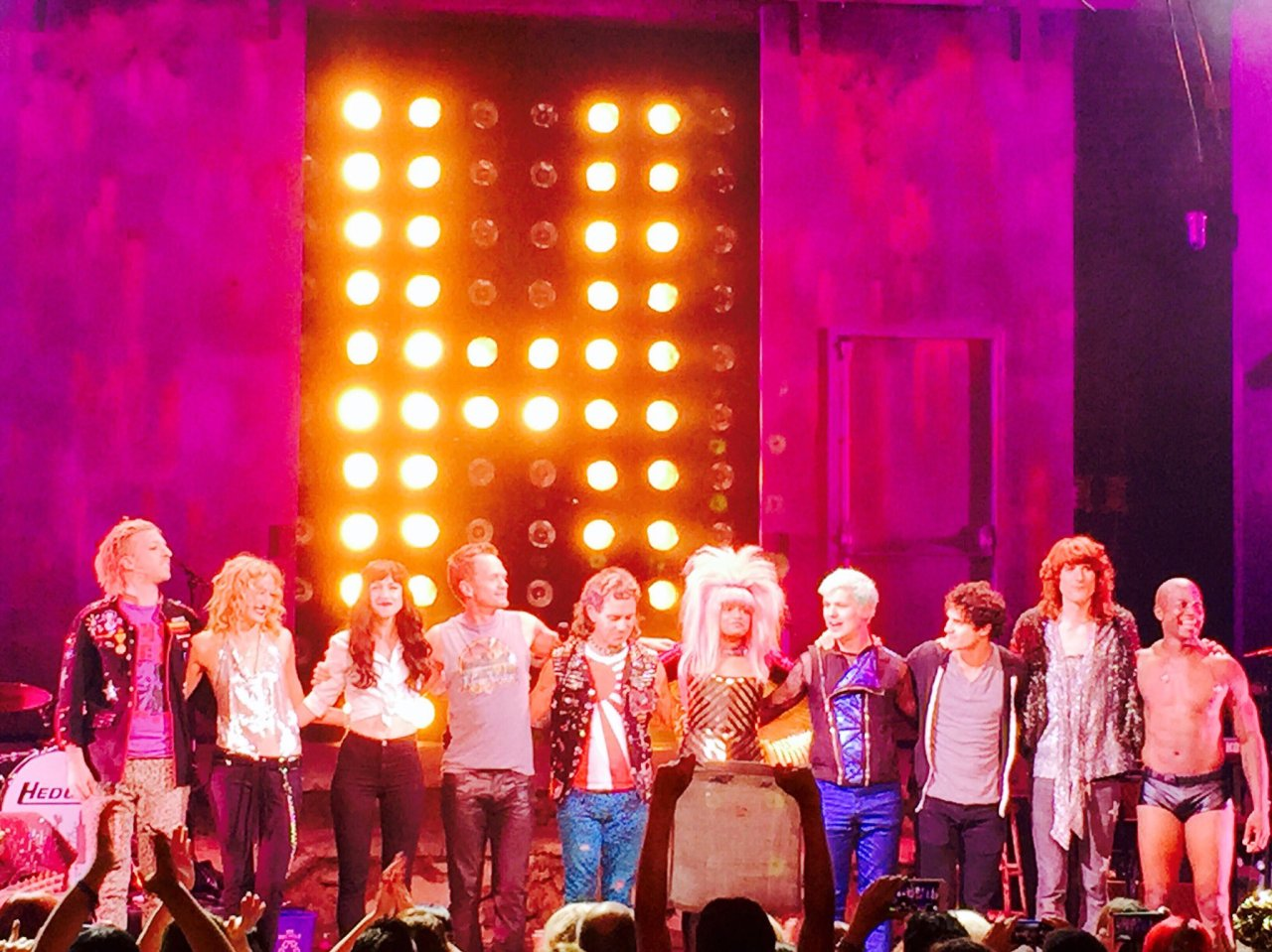 broadway - The Hedwig and the Angry Inch Tour in SF and L.A. (Promotion, Pre-Performances & Miscellaneous Information) - Page 3 Tumblr_odgdalc2jw1uetdyxo2_1280