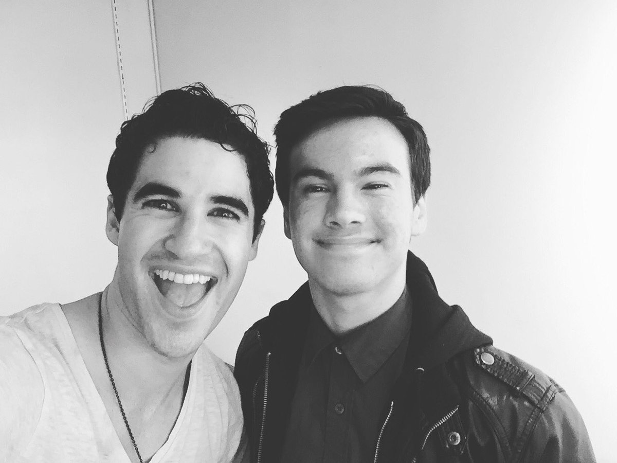 "versace - Pics, gifs, media videos, curtain call videos, stage door videos, and posts of ""who saw Darren"" in Hedwig and the Angry Inch--SF and L.A. (Tour),  - Page 4 Tumblr_ofrr9cfOy01uetdyxo2_1280"