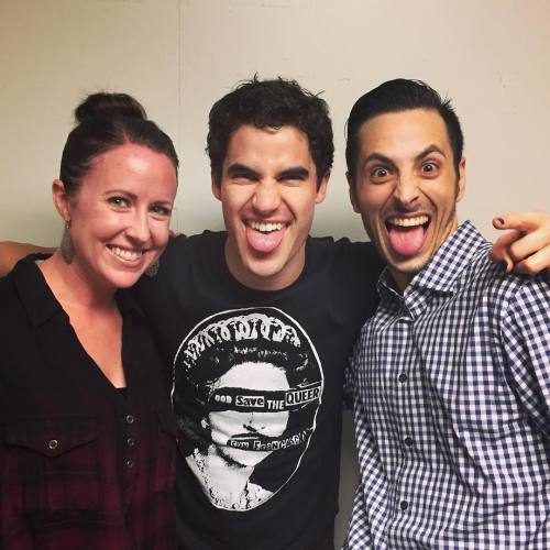 "cuter - Pics, gifs, media videos, curtain call videos, stage door videos, and posts of ""who saw Darren"" in Hedwig and the Angry Inch--SF and L.A. (Tour),  - Page 7 Tumblr_oh4srl8Ll81uetdyxo1_500"