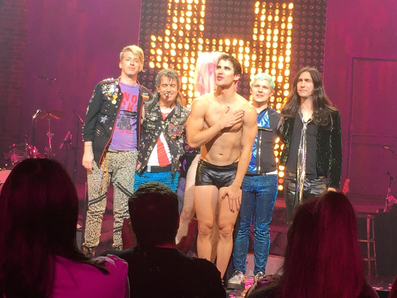 "HEDWIGTOUR - Pics, gifs, media videos, curtain call videos, stage door videos, and posts of ""who saw Darren"" in Hedwig and the Angry Inch--SF and L.A. (Tour),  - Page 3 Tumblr_ofa9hi2ong1qhk1jqo4_1280"