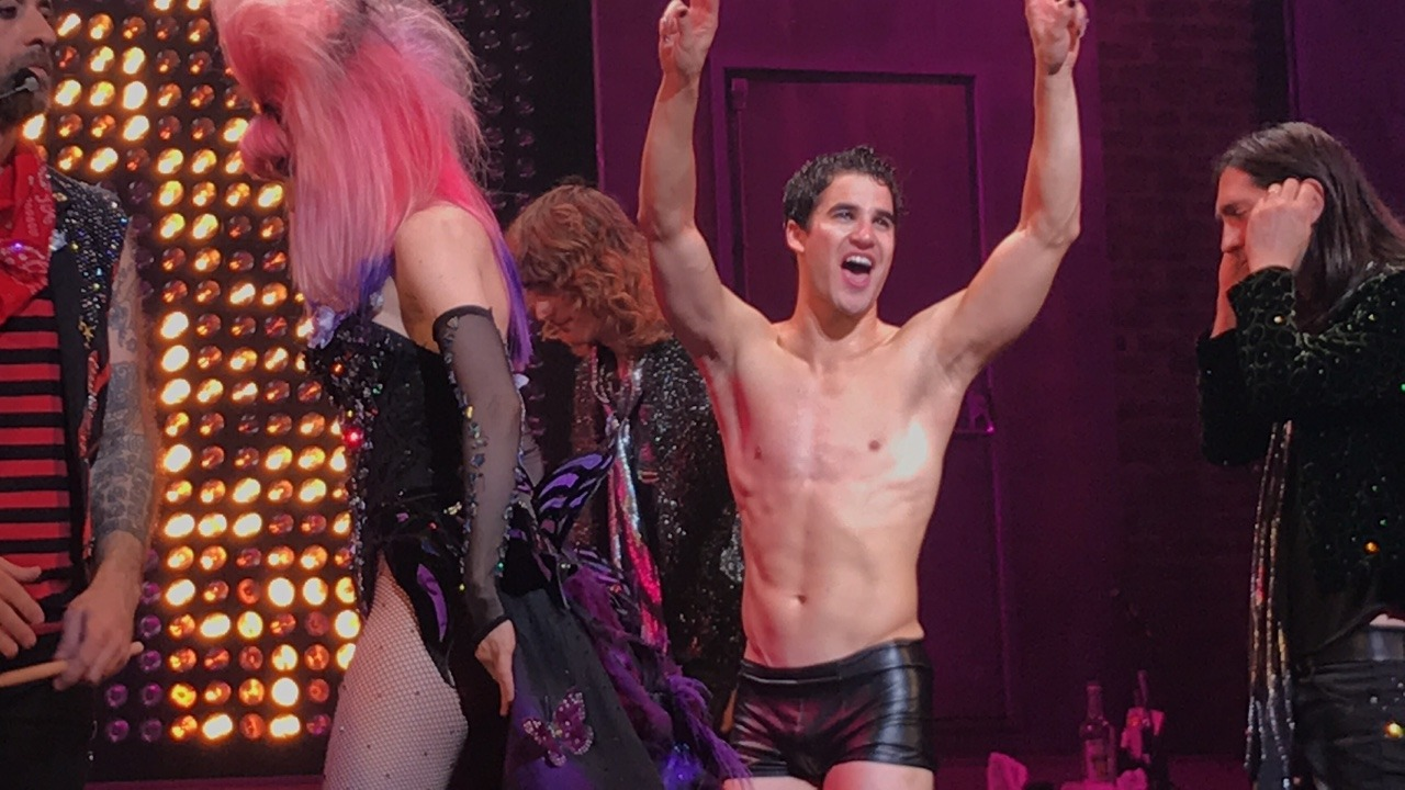 "BornEntertainer - Pics, gifs, media videos, curtain call videos, stage door videos, and posts of ""who saw Darren"" in Hedwig and the Angry Inch--SF and L.A. (Tour),  - Page 4 Tumblr_ofvzzqjGoS1r0rx8mo2_1280"