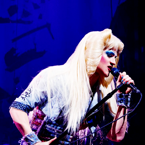darrenishedwig - Pics and gifs of Darren in Hedwig and the Angry Inch on Broadway. Tumblr_nre5k4VhNN1qcuicqo1_500