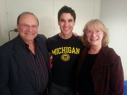 goblue - Fan Reviews, Media Reviews, and comments from members of the Media, about Darren in Hedwig and the Angry Inch--SF and L.A. Tour  Tumblr_oemph9MRFM1uetdyxo1_500