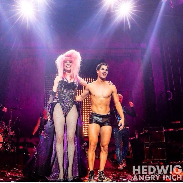 "theangryinch - Pics, gifs, media videos, curtain call videos, stage door videos, and posts of ""who saw Darren"" in Hedwig and the Angry Inch--SF and L.A. (Tour),  - Page 6 Tumblr_oghur0c3ag1ubd9qxo2_1280"