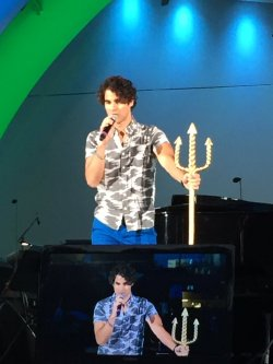 DARRENCRISS - The Little Mermaid at the Hollywood Bowl on June 3, 4, and 6, 2016 Tumblr_o8a3wxBJpP1uetdyxo2_250