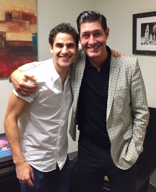 "versace - Pics, gifs, media videos, curtain call videos, stage door videos, and posts of ""who saw Darren"" in Hedwig and the Angry Inch--SF and L.A. (Tour),  - Page 6 Tumblr_ogj7dyEN3R1uetdyxo1_500"