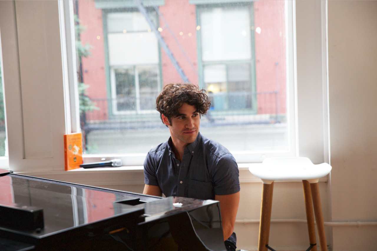 Topics tagged under piano on Darren Criss Fan Community Tumblr_ocu76z6zF21uetdyxo5_1280