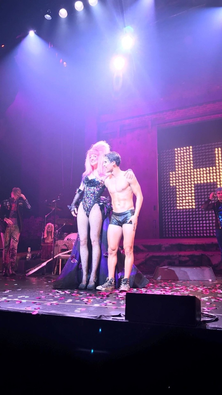 "eltonjohn - Pics, gifs, media videos, curtain call videos, stage door videos, and posts of ""who saw Darren"" in Hedwig and the Angry Inch--SF and L.A. (Tour),  Tumblr_oeghwwJjFL1uetdyxo1_1280"