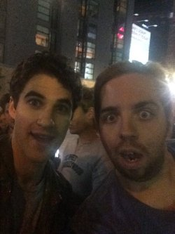 star - Fan Reviews, Media Reviews, and comments from members of the Media, about Darren in Hedwig and the Angry Inch--SF and L.A. Tour  - Page 4 Tumblr_og11gcxBiS1uetdyxo9_r1_250