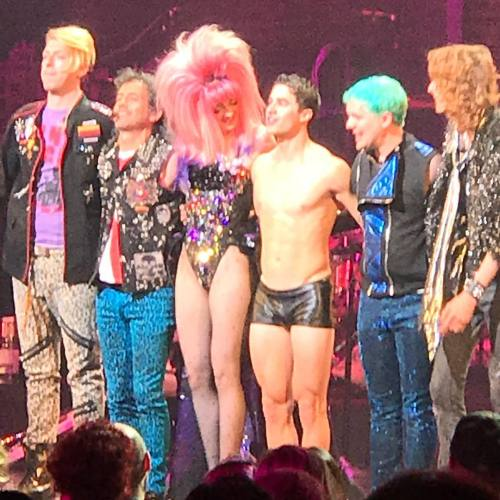 "eltonjohn - Pics, gifs, media videos, curtain call videos, stage door videos, and posts of ""who saw Darren"" in Hedwig and the Angry Inch--SF and L.A. (Tour),  Tumblr_oeg1b1MZY61uetdyxo1_500"
