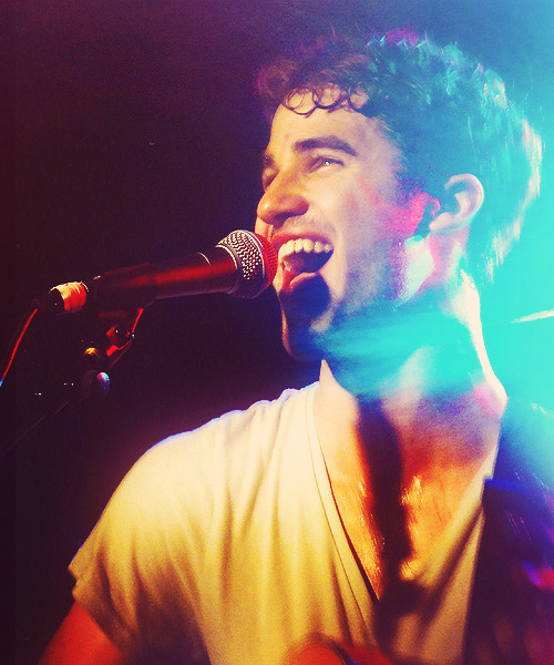 concert - Some of my favorite past photos/gifs of Darren Tumblr_m3wm9hbyir1qlpkoio1_r4_500