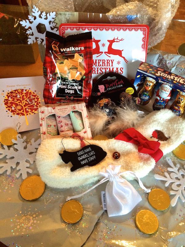 My amazing Secret Santa box Ctzcjy3n5laglvkl1