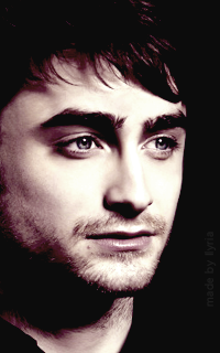 Daniel Radcliffe - 200*320 Tumblr_o7agysqrTS1r1hz6jo1_250
