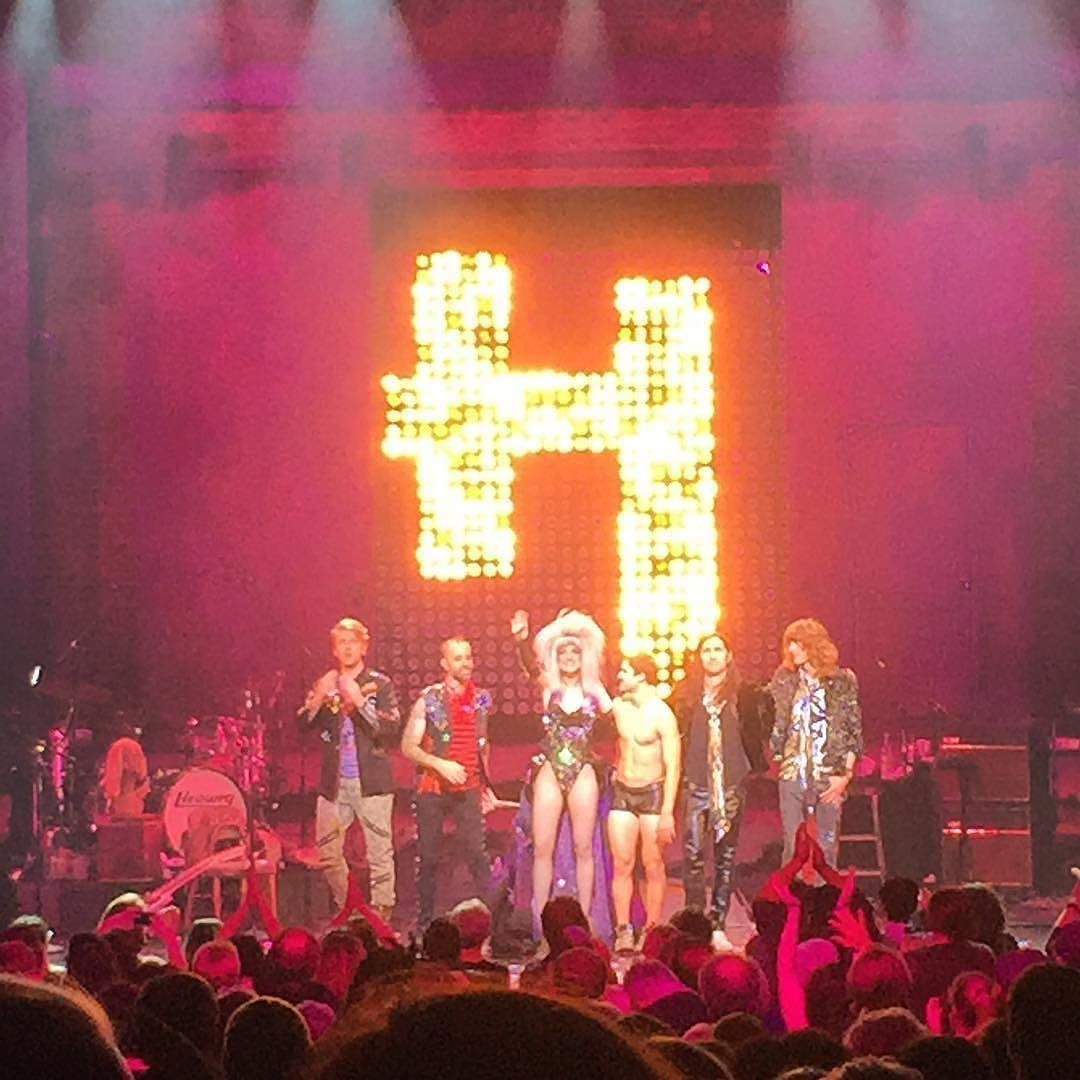 "hedwignationaltour - Pics, gifs, media videos, curtain call videos, stage door videos, and posts of ""who saw Darren"" in Hedwig and the Angry Inch--SF and L.A. (Tour),  - Page 4 Tumblr_ofvz3vD12K1ubd9qxo1_1280"