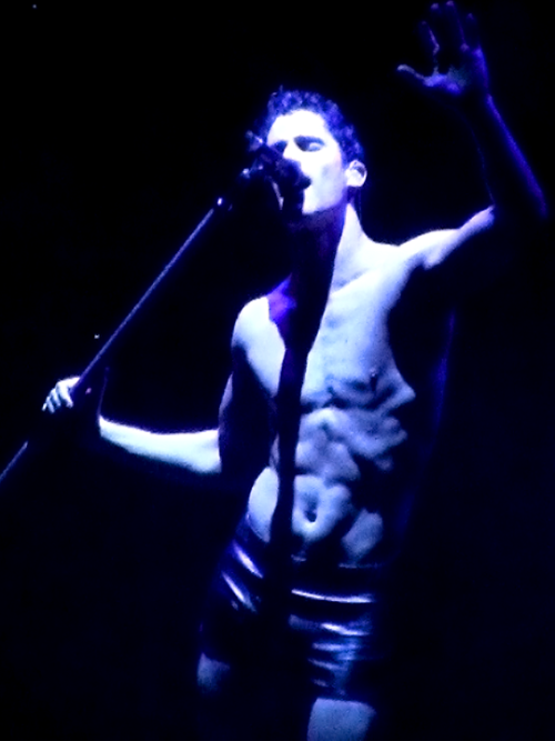"amagicallife - Pics, gifs, media videos, curtain call videos, stage door videos, and posts of ""who saw Darren"" in Hedwig and the Angry Inch--SF and L.A. (Tour),  - Page 7 Tumblr_ogiulxMCYV1sczt3wo1_r2_500"