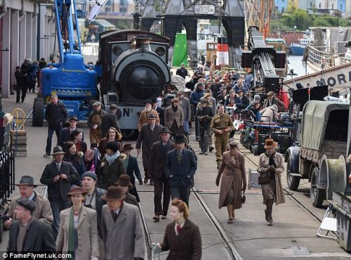 The Guernsey Literary & Potato Peel Pie Society de Mike Newell - Page 2 Tumblr_op1i1uQCcP1um6vqso4_500