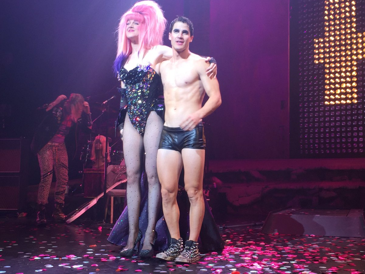 "Pics, gifs, media videos, curtain call videos, stage door videos, and posts of ""who saw Darren"" in Hedwig and the Angry Inch--SF and L.A. (Tour),  - Page 2 Tumblr_oeoh4uRnlq1uetdyxo1_1280"