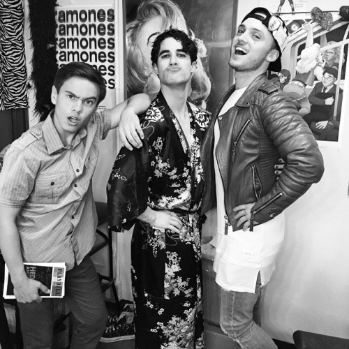 "BornEntertainer - Pics, gifs, media videos, curtain call videos, stage door videos, and posts of ""who saw Darren"" in Hedwig and the Angry Inch--SF and L.A. (Tour),  - Page 4 Tumblr_nq68rr12un1r4gxc3o1_500"