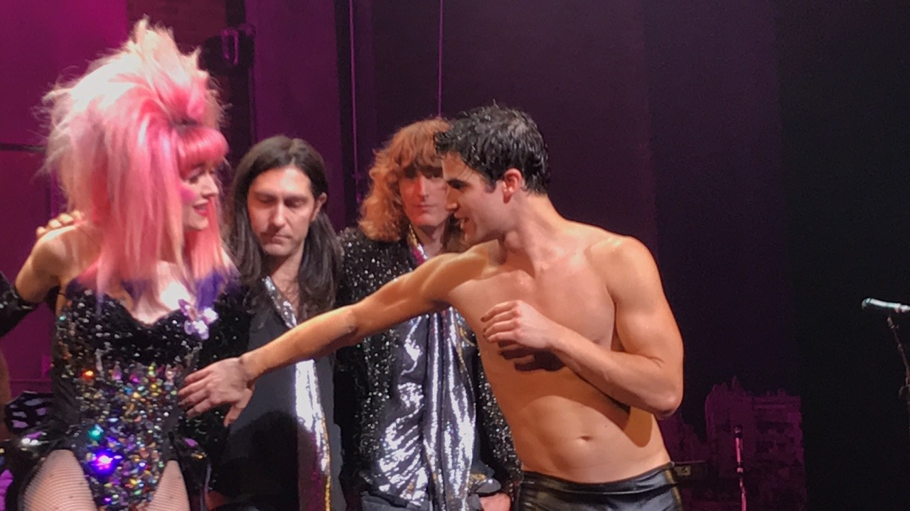 "versace - Pics, gifs, media videos, curtain call videos, stage door videos, and posts of ""who saw Darren"" in Hedwig and the Angry Inch--SF and L.A. (Tour),  - Page 4 Tumblr_ofvzzqjGoS1r0rx8mo1_1280"