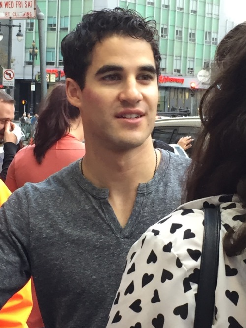 "publicarts - Pics, gifs, media videos, curtain call videos, stage door videos, and posts of ""who saw Darren"" in Hedwig and the Angry Inch--SF and L.A. (Tour),  - Page 3 Tumblr_of6b5hj1qL1qkcgv5o10_500"