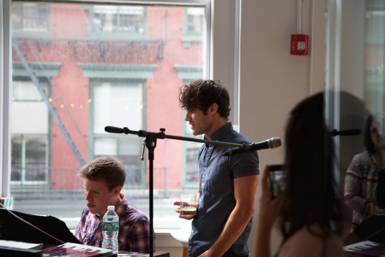 Topics tagged under soho on Darren Criss Fan Community Tumblr_ocu76z6zF21uetdyxo4_1280